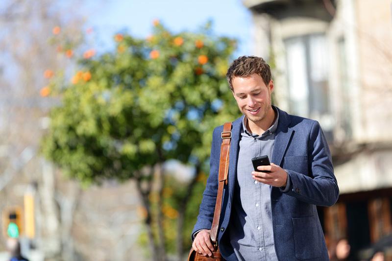 Walking guy texting